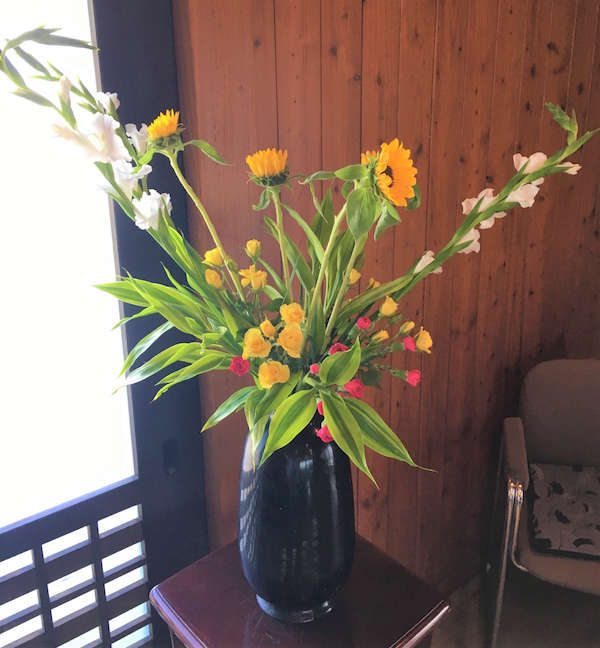 19.7.28 flower no.64(resized)