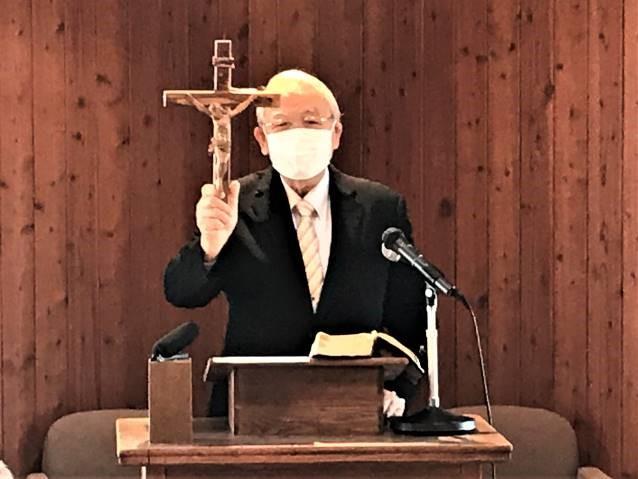 國磨呂牧師講壇